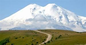 Europe's tallest volcano: Mount Elbrus | VolcanoCafe