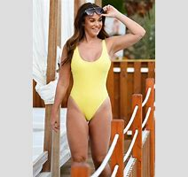 Vicky Pattison S Skintight Swimsuit Clings To Privates For X Rated Reveal Cetusnews