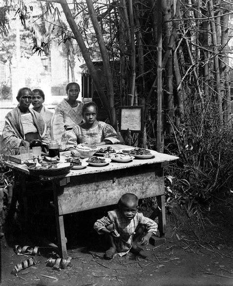 filipino food sellers  santa cruz church manila