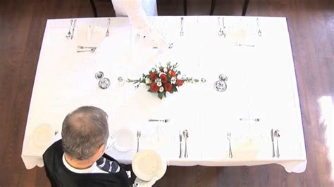 tisch eindecken gastronomie tisch eindecken 5 g 228 nge 252 fachgerecht erlernen andreas muchow gastronomie fachschule