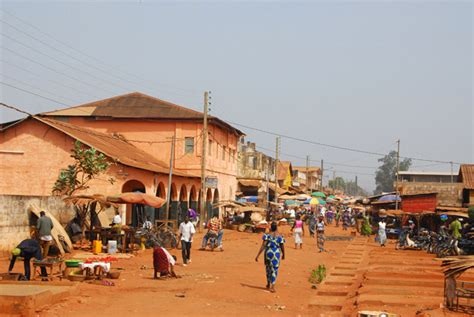 Main Street, Bohicon, Benin photo - Brian McMorrow photos ...