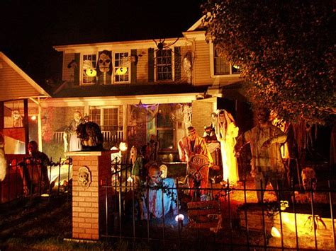 House Decorated For Halloween Ehow  Lola's Curmudgeonly