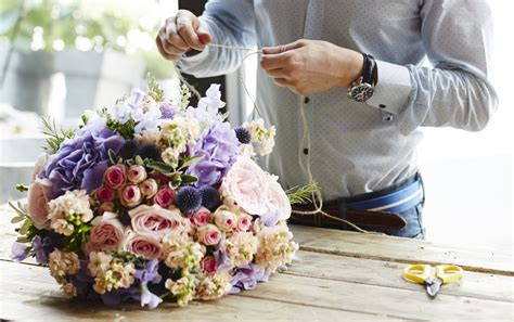 Arranging Flowers by Five Day Flower Arranging Aston Floristry