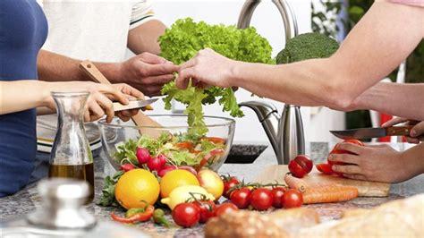 groupe de cuisine les cuisines collectives des avantages bien au à de la cuisine gravel le matin ici radio
