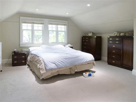 hgtv master bedroom makeovers metallic makeover hgtv 15548 | hdivd1105 before masterbedroom.jpg.rend.hgtvcom.581.436