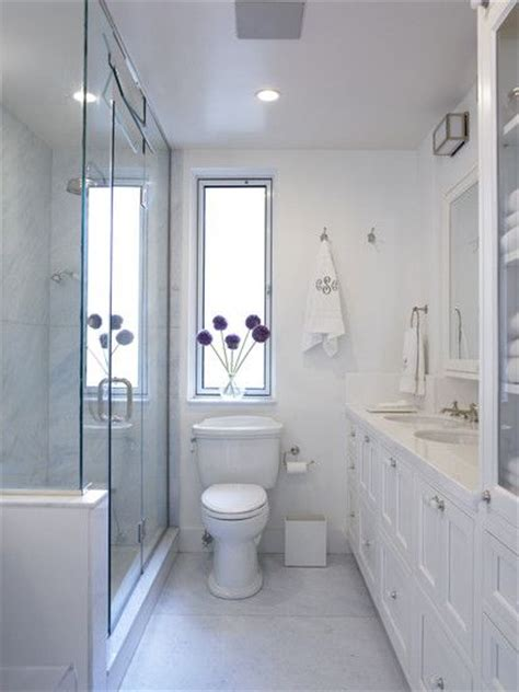 Small Narrow Bathroom Ideas by 25 Best Ideas About Narrow Bathroom On