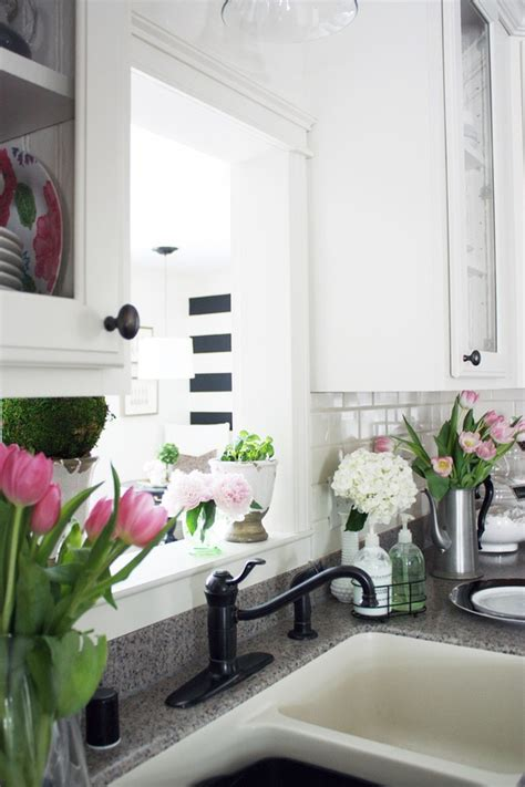 39 Inspiring Spring Kitchen Décor Ideas   DigsDigs