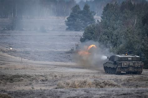 IN PICTURES: Challenger 2 Live Firing