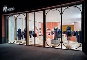 Redvalentino  Stile Vintage Per La Nuova Boutique