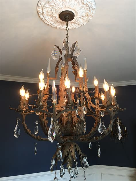 Via Chandelier by Chandelier Via Consignment Store Dells Daily Dish