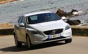 Fiabilité Volvo V40 : essai volvo v40 t3 150 ch 2013 l 39 automobile magazine ~ Gottalentnigeria.com Avis de Voitures