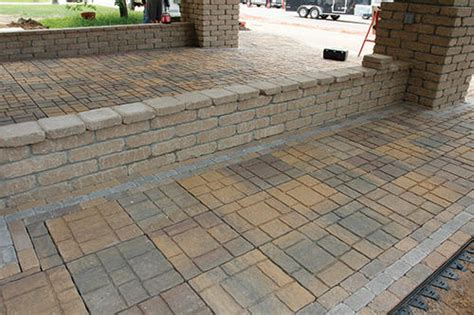 Patio Blocks by 16 Quot Ez Slate Patio Block At Menards 174