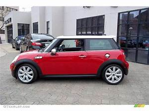 Mini Cooper S 2008 : chili red 2008 mini cooper s hardtop exterior photo 48407350 ~ Medecine-chirurgie-esthetiques.com Avis de Voitures