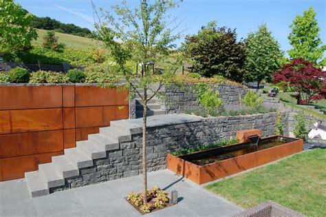 Garten Gestalten Naturstein by Garten Terrasse Au 223 Engestaltung Mauer Trockenmauer