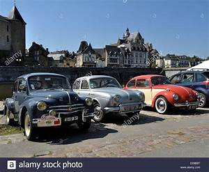 Volkswagen Mayenne : exhibition of old cars renault 4 cv renault dauphine volkswagen stock photo royalty free ~ Gottalentnigeria.com Avis de Voitures