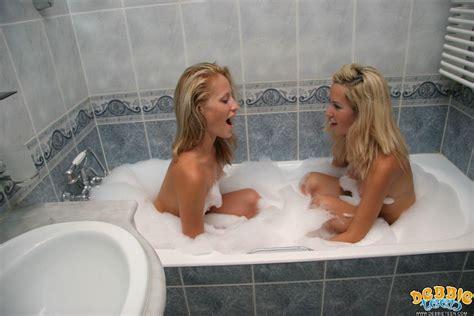 18yo Debbie Kissing Petite Lesbian Teen In Hot Tub Pichunter