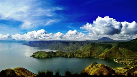 lake toba danau toba sumatra indonesia deira travels