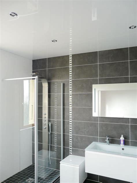 plafond pvc cuisine pvc plafond salle de bain image with pvc plafond