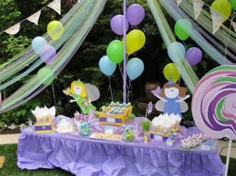 garten party zum geburtstag ideen mit bunter dekoration