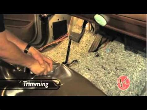 Installing Vinyl Flooring in a Pickup Truck   Replacing