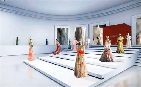 maison de couture les archives de la maison valentino s exposent dans un mus 233 e virtuel
