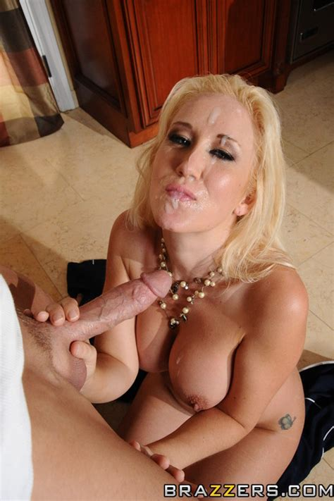 Rebound Sex With The Ex Hot Mommy Photos Alana Evans