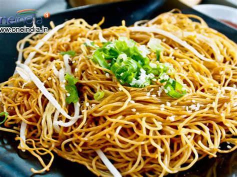 rice noodle recipe hakka rice noodles chinese recipe boldsky com