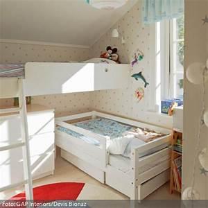 Kinderbett Unter Dachschräge : die besten 25 kleines kinderzimmer einrichten ideen auf ~ Michelbontemps.com Haus und Dekorationen