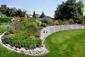 Garten Hügel Bepflanzen : natursteinmauern ~ Indierocktalk.com Haus und Dekorationen
