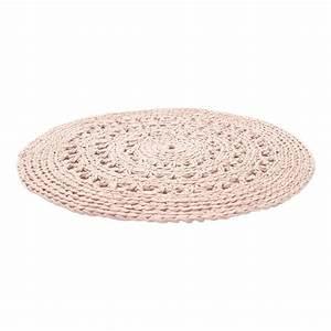 Tapis Rond Design : tapis rond crochet rose poudr naco design enfant ~ Teatrodelosmanantiales.com Idées de Décoration