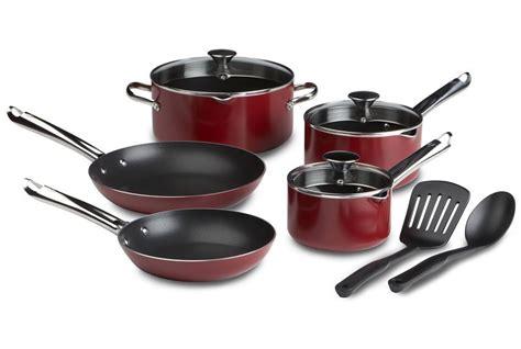 cookware nonstick stick non pans pots housekeeping disadvantages advantages bakery pan kitchenaid wearever sets