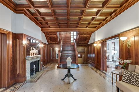 wrigley mansion sells    chicagos lincoln park