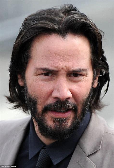 Keanu Reeves displays white patch on scalp at Spirit ...