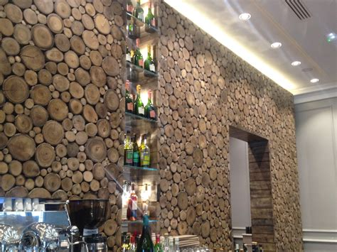 habillage mur interieur en bois mzaol