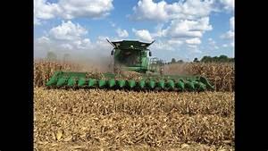 John Deere S690 Tracked Combine With A 16 Row Corn Head