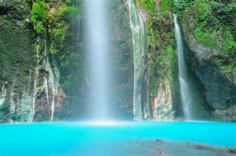 gambar air terjun terindah  indonesia  wisata ria