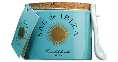 pot pour fleur de sel sal de ibiza fleur de sel in a ceramic pot 150 g