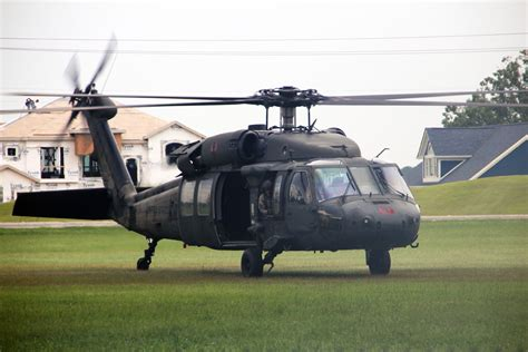 UH-60A/L Black Hawk Helicopter | Military.com
