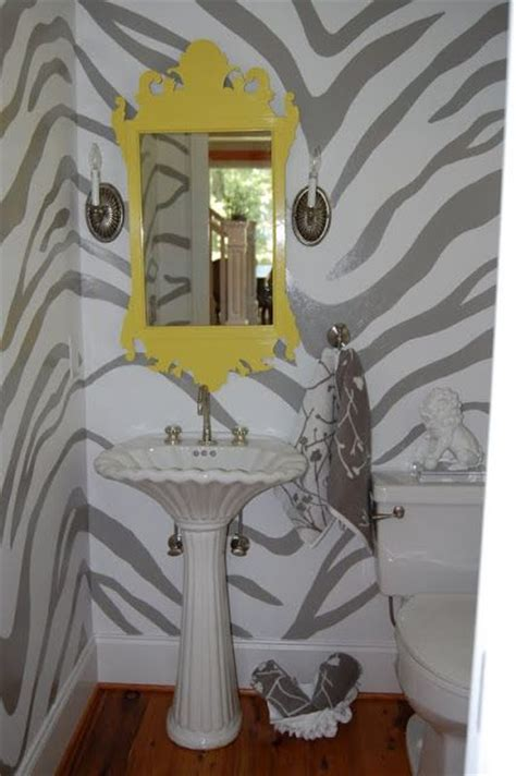 Pretty Towels From Homegoods Soften This Powder Room With