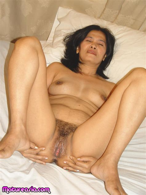 Horny Busty Mature Asian Granny Spreads her Hairy Pussy ...