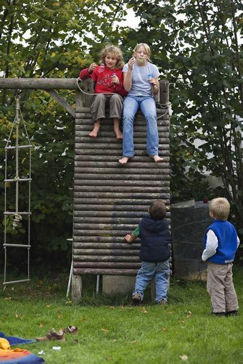 Spielgeraete Fuer Den Heimischen Garten by Spielparadies Im Heimischen Garten