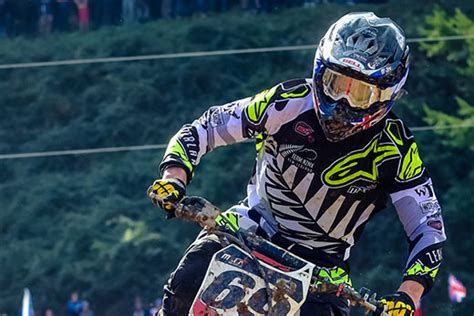 how to be a pro motocross rider sunlive mount motocross rider on world stage the bay 39 s