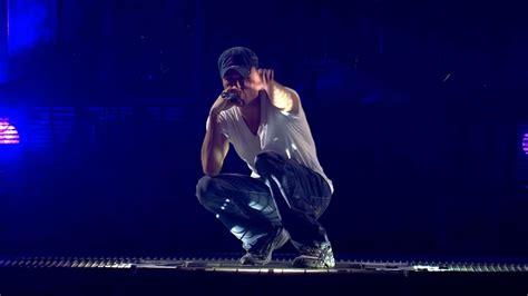 Enrique Iglesias Escape (Live from the Oydessey Arena ...