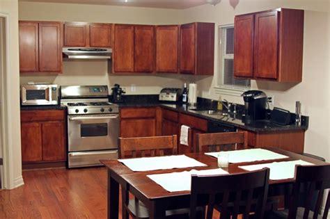 tips decorating  kitchen cabinets  kitchen interior mykitcheninterior