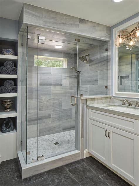 ideas for tiny bathrooms best 25 bathroom showers ideas on master