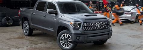 toyota tundra towing capacity  performance features