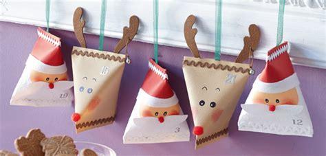 weihnachtsmann selber basteln adventskalender p 228 ckchen basteln weihnachtsmann elch familie de