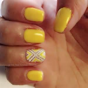Yellow color nail art design : Yellow nail art design