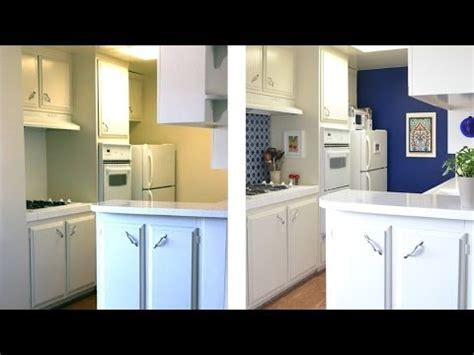 How to decorate a kitchen with temporary wallpaper and