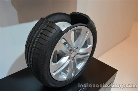 We go through the pros and cons of these tires and pick out the best run flat tires you can buy. Run flat tires of the Mercedes M-Guard armoured SUV